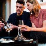 Digitales offenes Gruppentasting für Weinliebhaber:innen